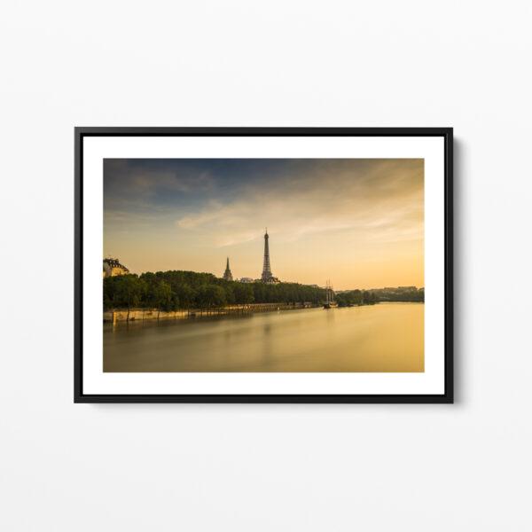 tour eiffel pendant la crue de juin 2016 paris framed print photo sebastien desnoulez photographe auteur